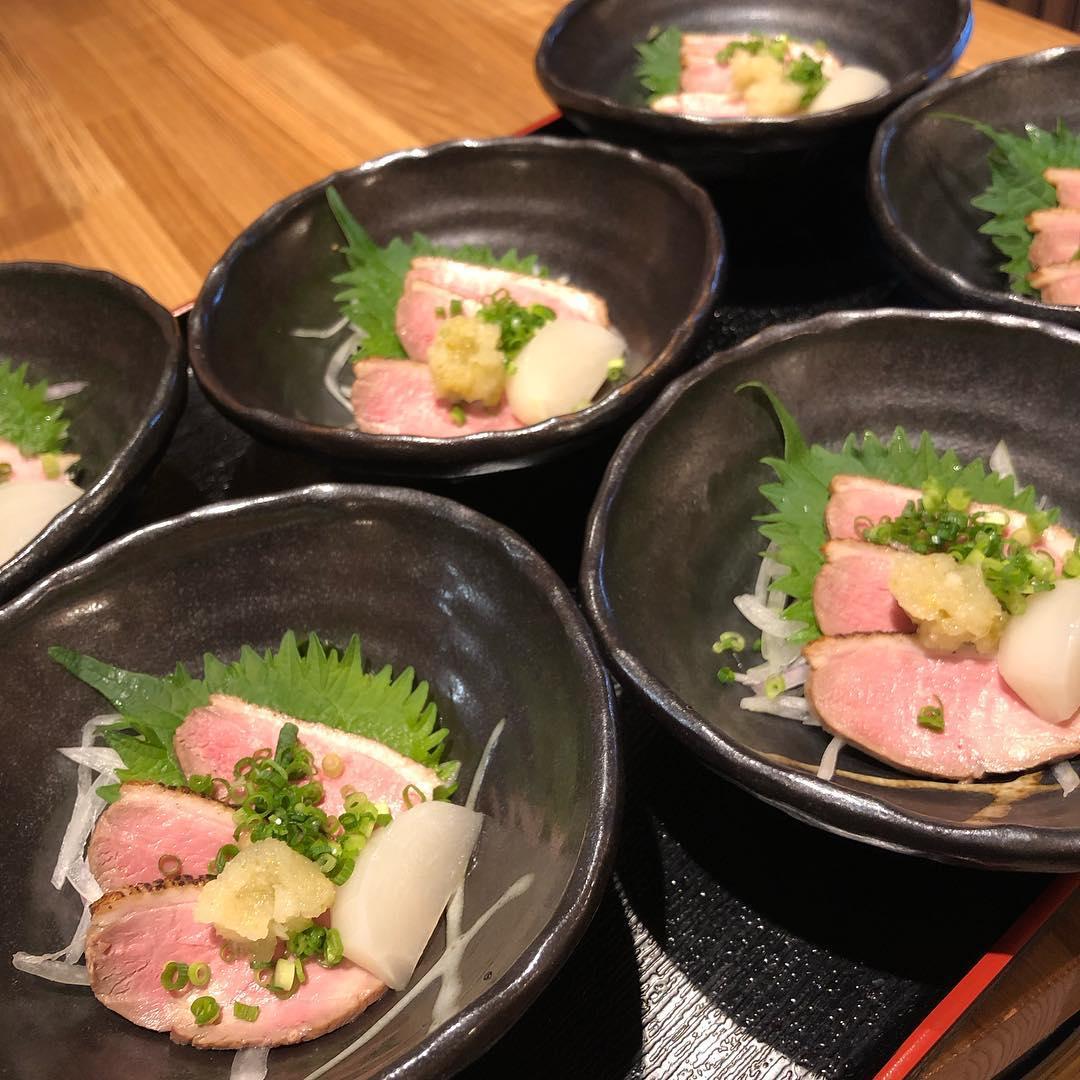 本日の3000円コースの酢の物は 合鴨のロース煮おろしポン酢です