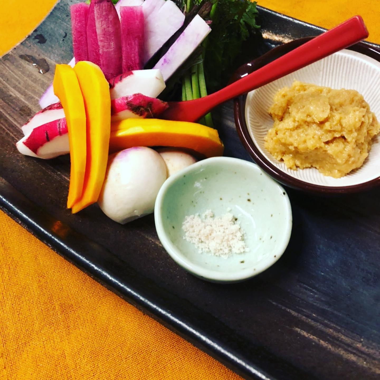 [おはしどころ菜でしこ]  〜無農薬有機野菜の盛り合わせ 790円〜   小川町の農家さん(風の丘ファーム)直送の こだわり野菜の盛り合わせです️   野菜嫌いの方でも「これなら食べれる」 とおっしゃる方が数名いらっしゃいます   #おはしどころ菜でしこ #本庄駅南口ロータリー内 #月曜日定休 #17:00オープン  #なでしこ #本庄女子会 #本庄貸切 #風の丘ファーム